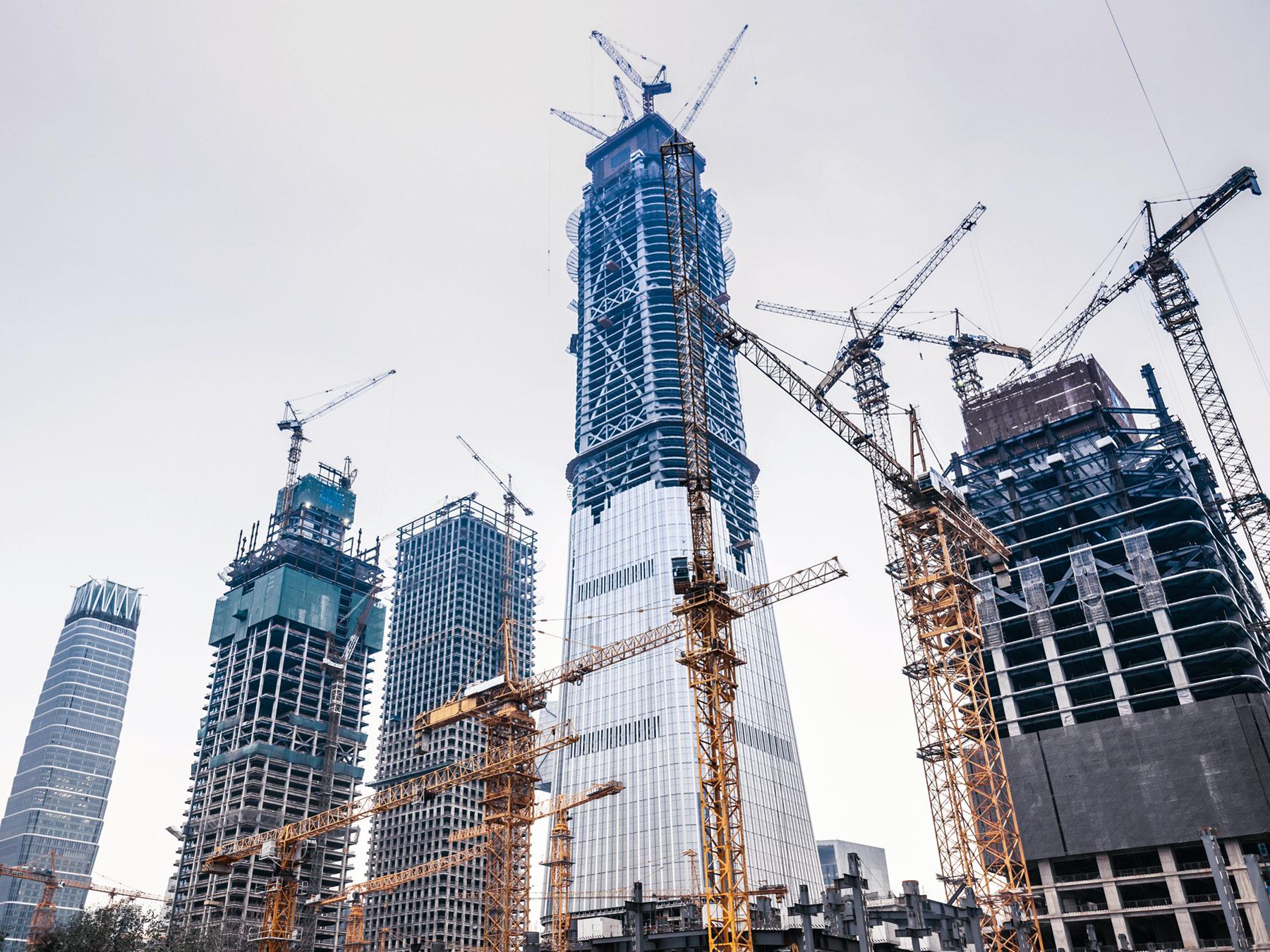 How Do Construction Cranes Work?