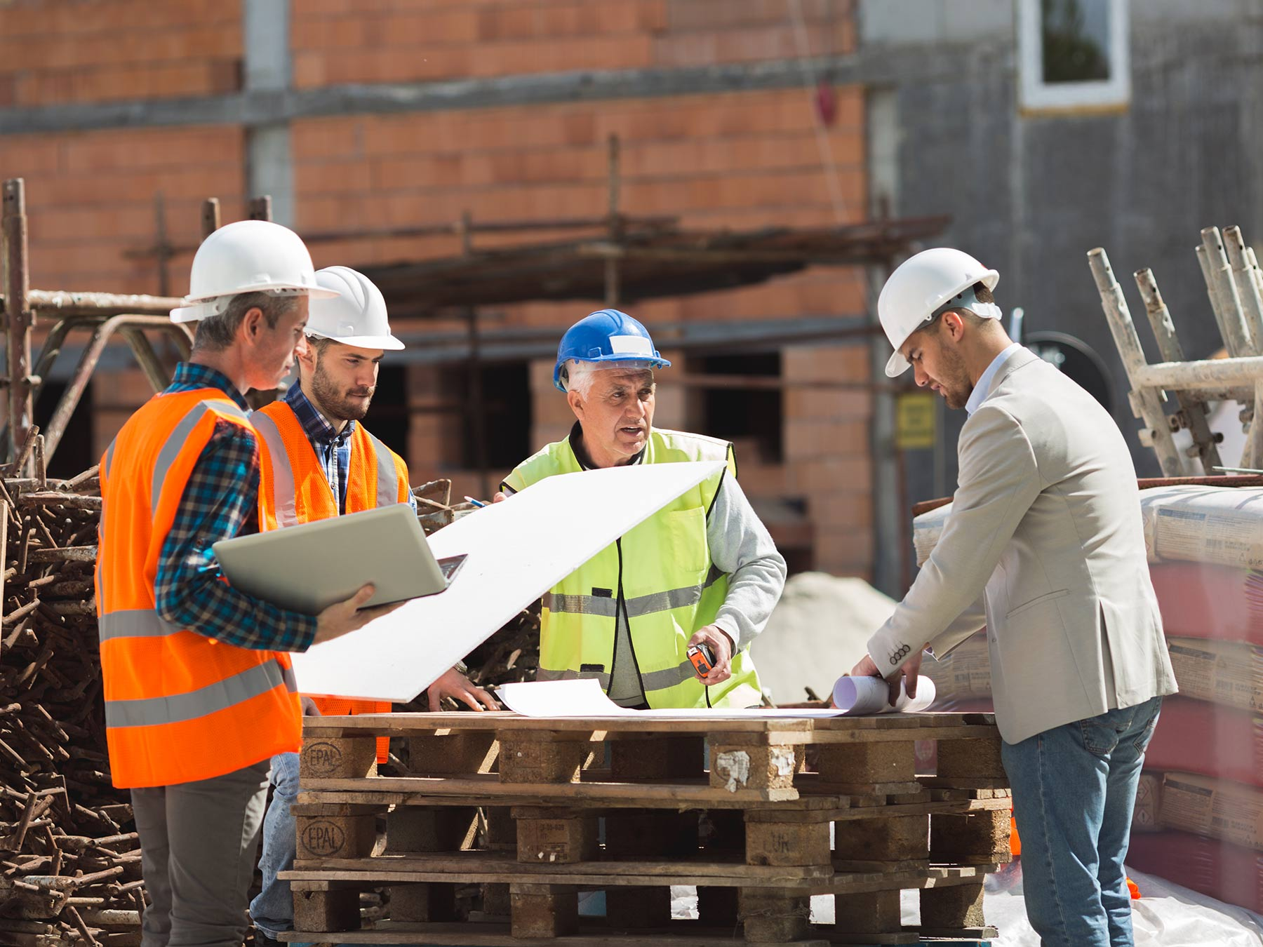 10 Essential Construction Communication Skills for Your Team
