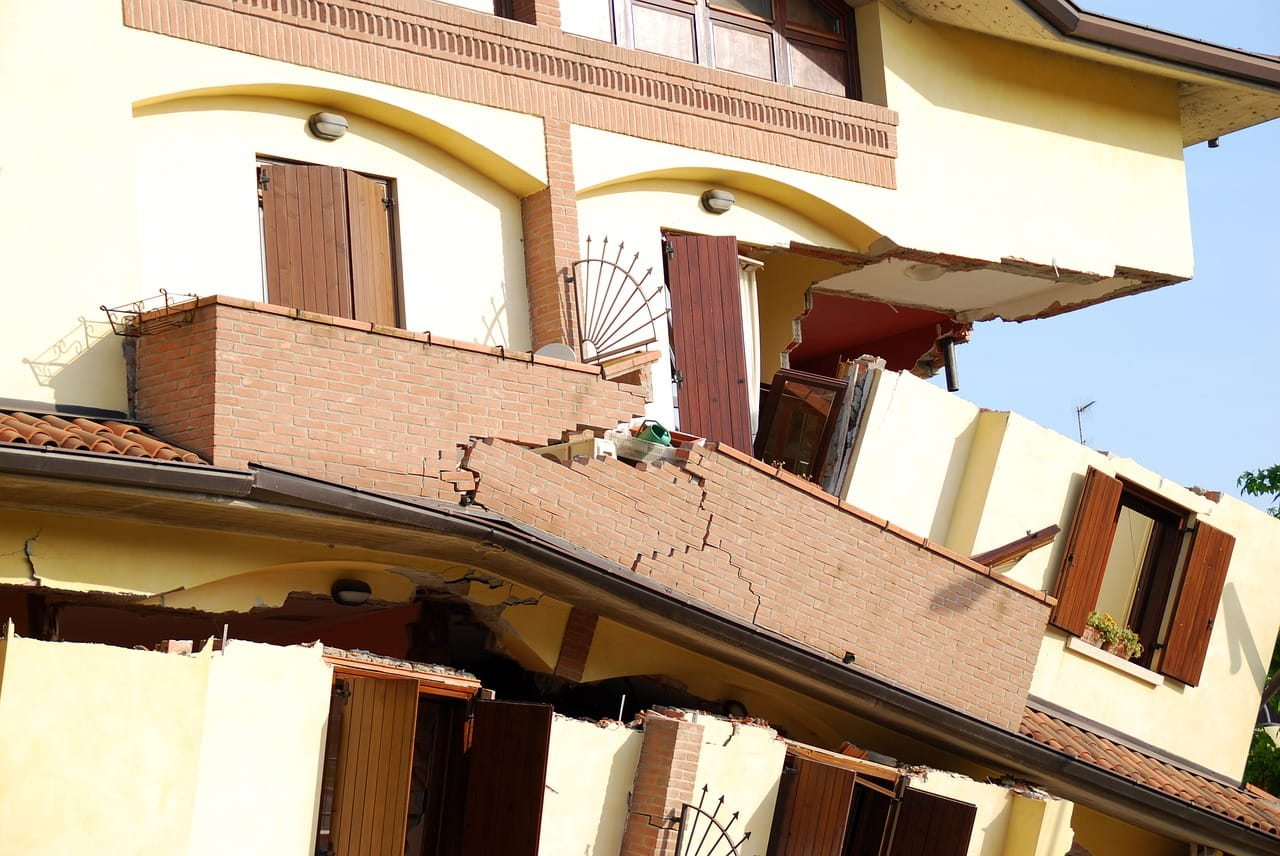 earthquake damage